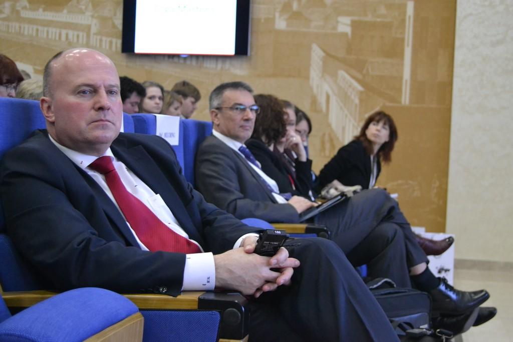 """Feierlich eröffnet: 4. Internationale wissenschaftlich-praktische Sprachkonferenz """"Deutsche in Russland: Strategien in der Spracharbeit. 5 Jahre gemeinsame Verantwortung""""  <br> Eingestellt am: 31.03.2015, <a style=""""text-shadow: 0px 0px 0;"""" href=http://www.rusdeutsch.eu/?news=2759 target=_blank >lesen</a>, <a style=""""text-shadow: 0px 0px 0;"""" href=http://www.rusdeutsch.eu/fotos/2723_b.jpg target=_blank >herunterladen</a>"""