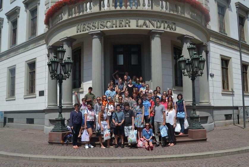 """Ereignisreich: Der 2. Tag des Sprachlagers Jugendtreffen in Biedenkopf! <br> Eingestellt am: 24.07.2015, <a style=""""text-shadow: 0px 0px 0;"""" href=http://www.rusdeutsch.eu/?news=2916 target=_blank >lesen</a>, <a style=""""text-shadow: 0px 0px 0;"""" href=http://www.rusdeutsch.eu/fotos/2920_b.png target=_blank >herunterladen</a>"""