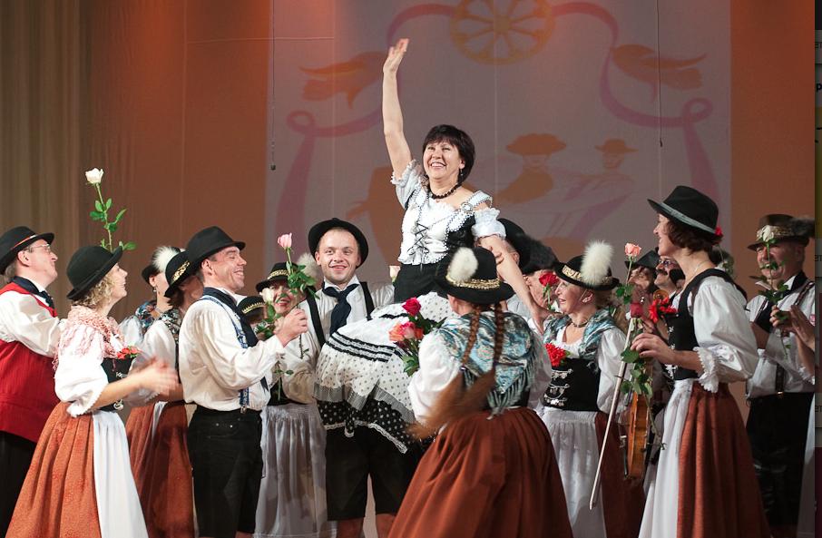 """Lidia Knoll: Nominierte des Wettbewerbs """"Russlands herausragende Deutsche"""" <br> Eingestellt am: 04.08.2015, <a style=""""text-shadow: 0px 0px 0;"""" href=http://www.rusdeutsch.eu/?news=2928 target=_blank >lesen</a>, <a style=""""text-shadow: 0px 0px 0;"""" href=http://www.rusdeutsch.eu/fotos/2933_b.png target=_blank >herunterladen</a>"""