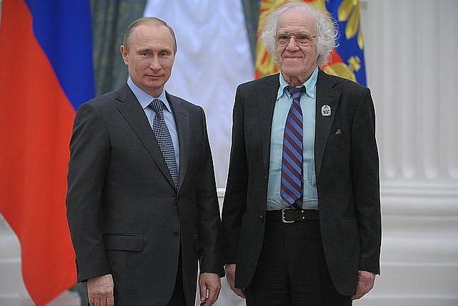"""Alexander Traugott: Nominierter des Wettbewerbs """"Russlands herausragende Deutsche - 2015"""" <br> Eingestellt am: 07.08.2015, <a style=""""text-shadow: 0px 0px 0;"""" href=http://www.rusdeutsch.eu/?news=2935 target=_blank >lesen</a>, <a style=""""text-shadow: 0px 0px 0;"""" href=http://www.rusdeutsch.eu/fotos/2948_b.png target=_blank >herunterladen</a>"""